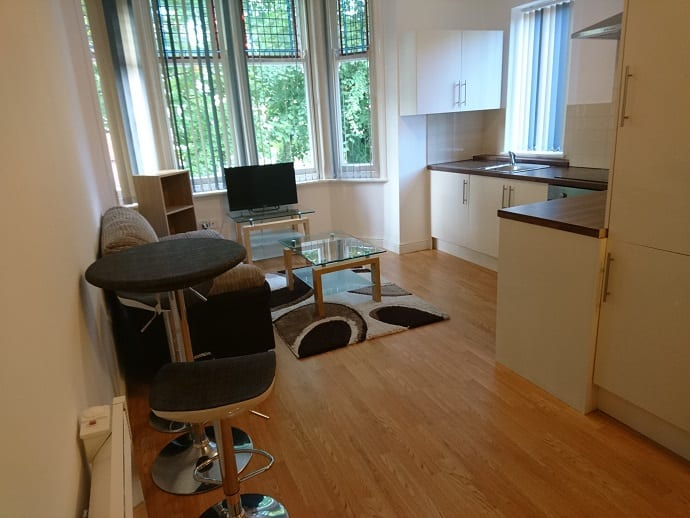 FLAT 4 LIVING AND KITCHEN