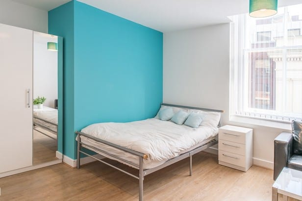 F2 bedroom
